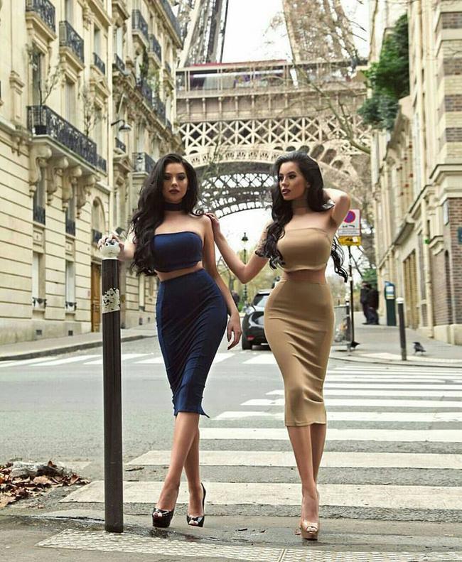 Cuộc sống hoàn hảo không tì vết của cặp chị em sinh đôi sexy nhất mạng xã hội - Ảnh 10.