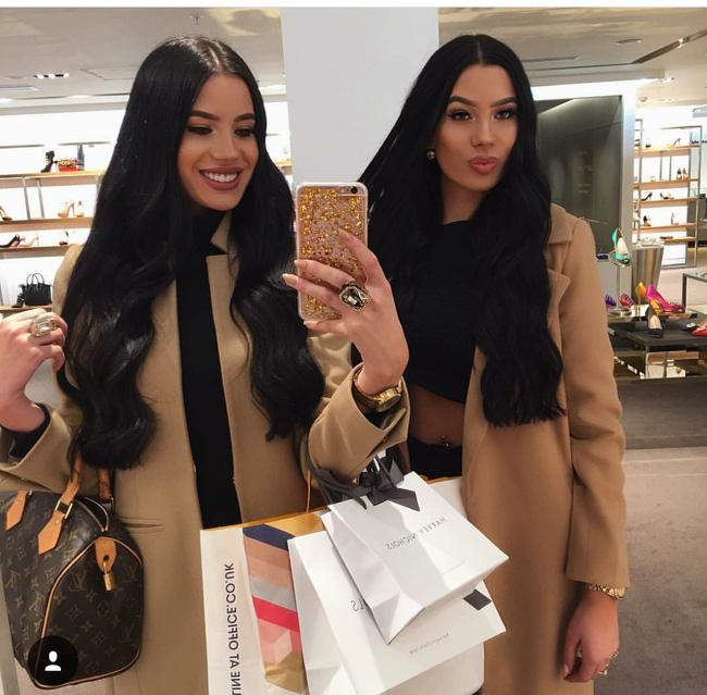 Cuộc sống hoàn hảo không tì vết của cặp chị em sinh đôi sexy nhất mạng xã hội - Ảnh 15.