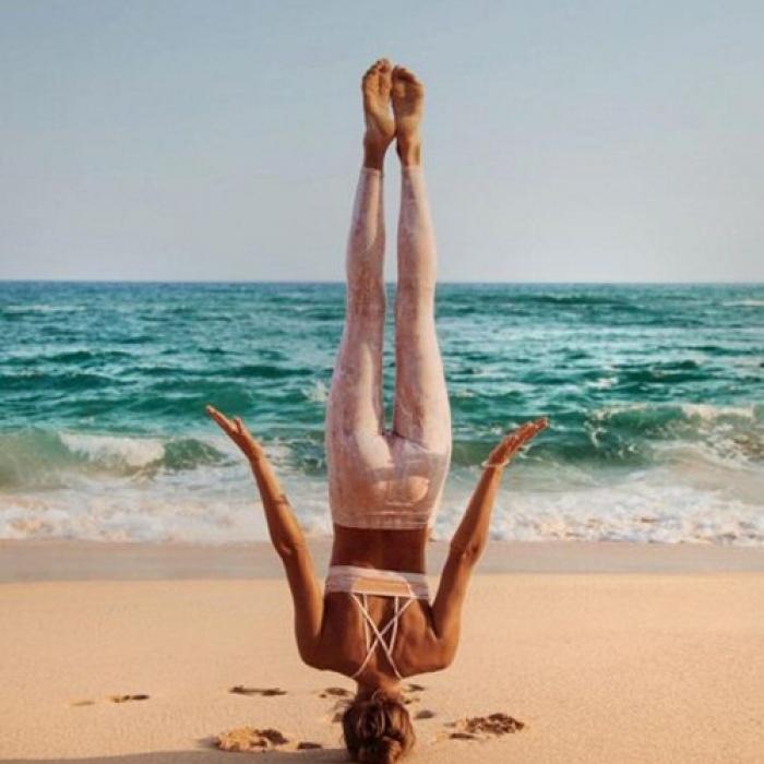 Ngất ngây với thân hình siêu mẫu của cô nàng mê yoga - 8