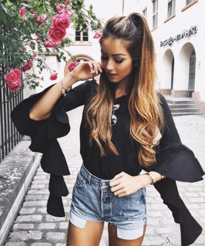 Da nâu sexy, mặc quần short jeans