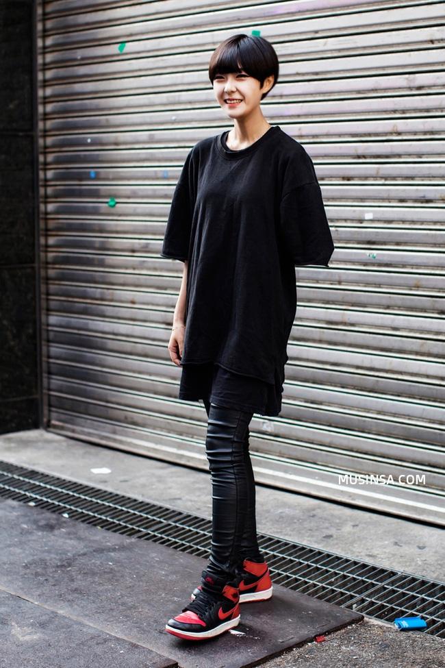 Street style thế giới: Cứ diện đồ đơn giản mà đẹp thế này thì ai mà không mê cho được