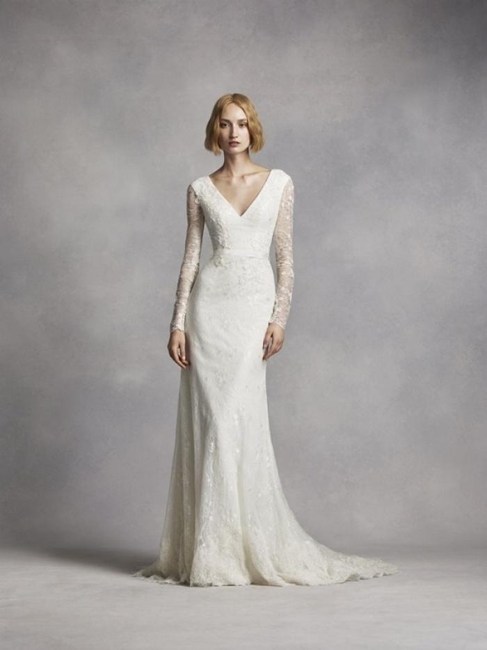 Thanh lịch, cổ điển với xu hướng váy cưới tay dài
