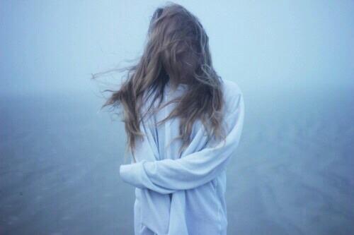 Cuối cùng thì tình yêu không giữ được người mình yêu...