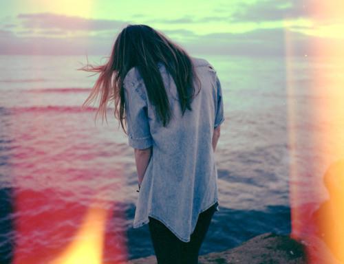 Kết quả hình ảnh cho girl alone tumblr