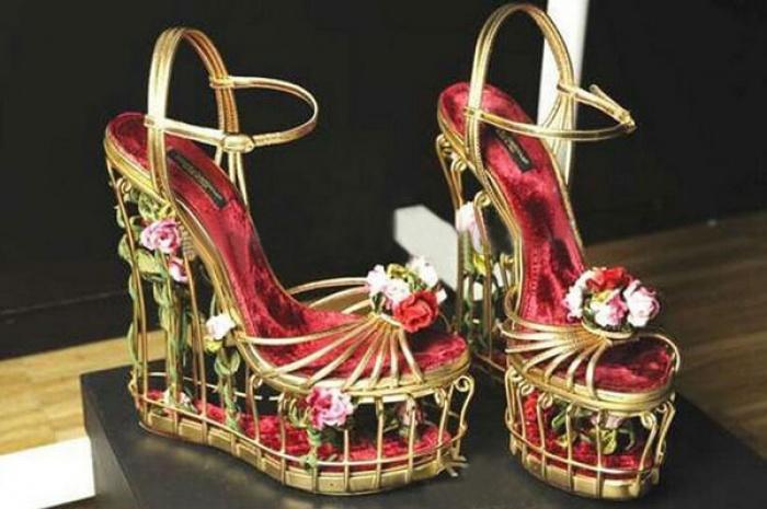 16 mẫu giày cưới đính hoa nổi 3D đẹp mê mẩn