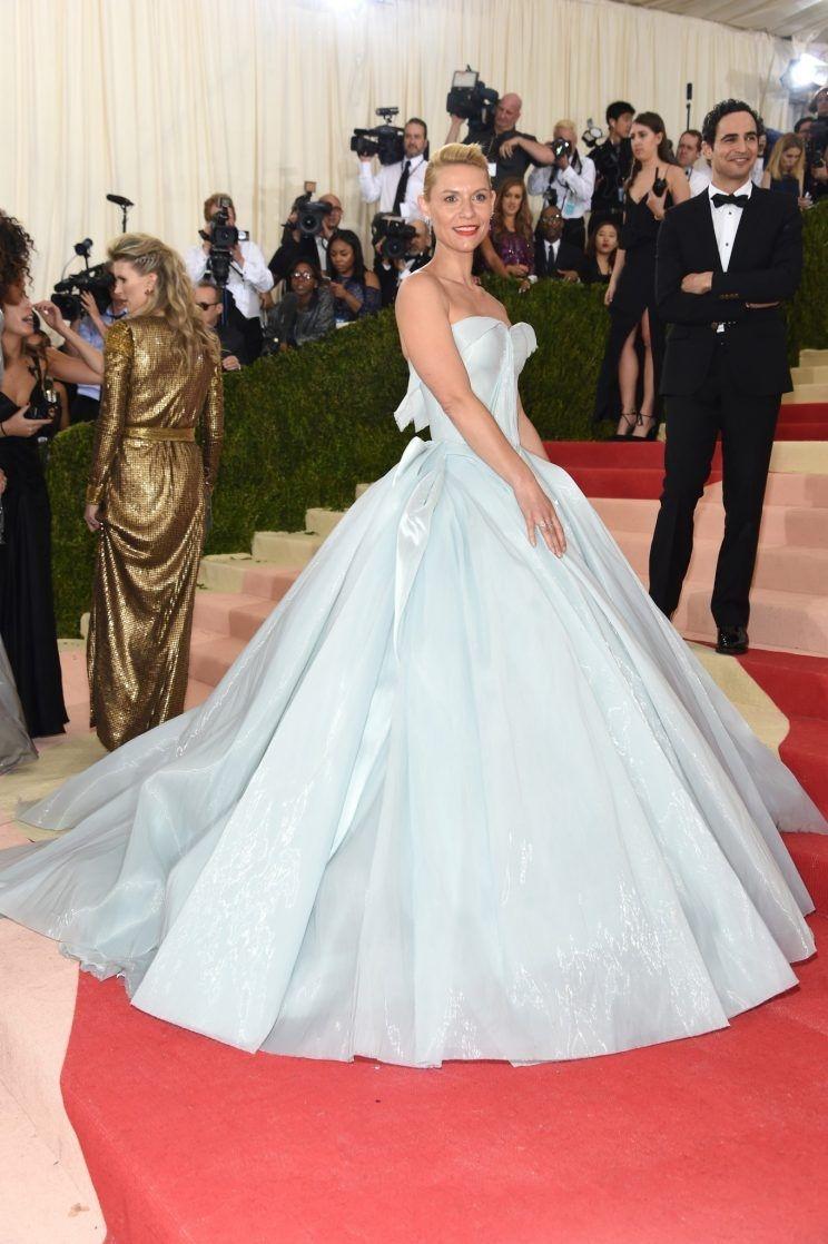 100% các cô gái đều ao ước mặc chiếc váy đặc biệt này trong ngày cưới
