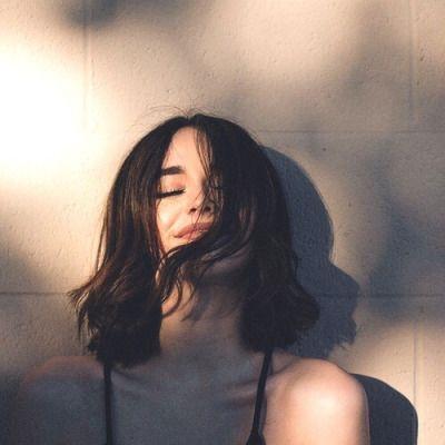 """10 lý do thuyết phục các người đẹp """"xuống tóc"""""""