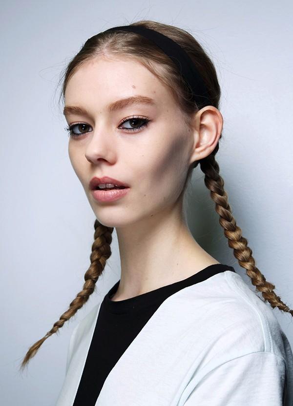 """Các kiểu tóc tết 2 bên đẹp """"lung linh"""""""