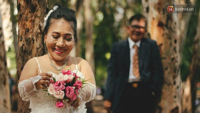 Câu chuyện dễ thương của cô dâu tí hon lần đầu mặc váy cưới ở tuổi 60 - Ảnh 3.