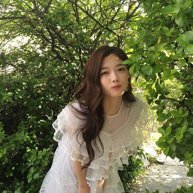 Suzy, Park Shin Hye cùng loạt sao nữ xứ Hàn đang diện những màu son nào? - Ảnh 16.