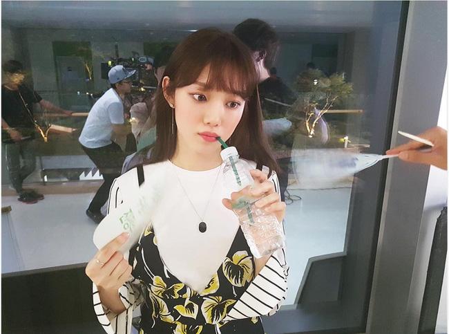 Suzy, Park Shin Hye cùng loạt sao nữ xứ Hàn đang diện những màu son nào? - Ảnh 22.