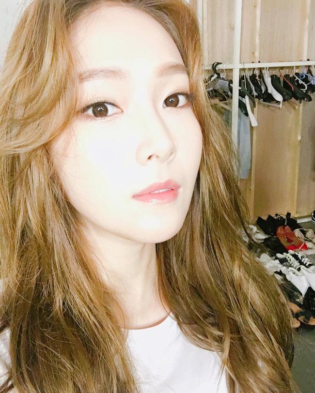 Suzy, Park Shin Hye cùng loạt sao nữ xứ Hàn đang diện những màu son nào? - Ảnh 18.