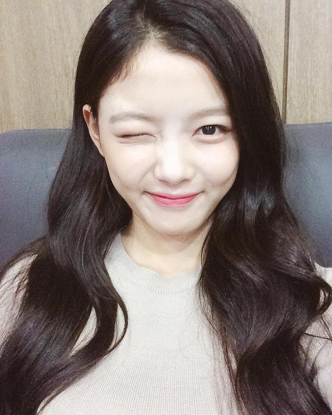 Suzy, Park Shin Hye cùng loạt sao nữ xứ Hàn đang diện những màu son nào? - Ảnh 14.