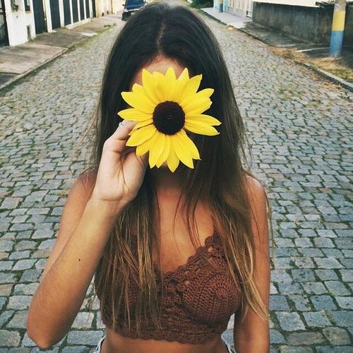 Kết quả hình ảnh cho couple sunflower tumblr