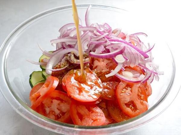 5acce5ce09cd8f885fcee9deede4ba963adc446c Giảm cân chỉ với 4 món salad dễ làm