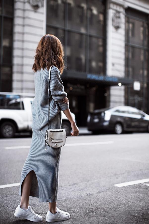 Giày sneaker trắng - món đồ thời trang kinh điển