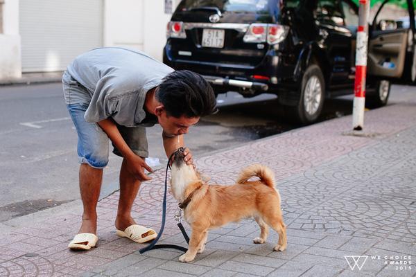 Cuộc sống hiện tại của anh đánh giày câm và chú chó mù: Hạnh phúc vẫn còn được viết tiếp - Ảnh 2.