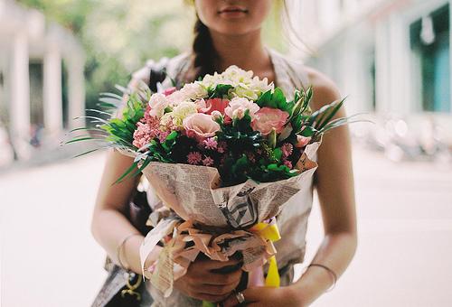 Kết quả hình ảnh cho girl flower tumblr