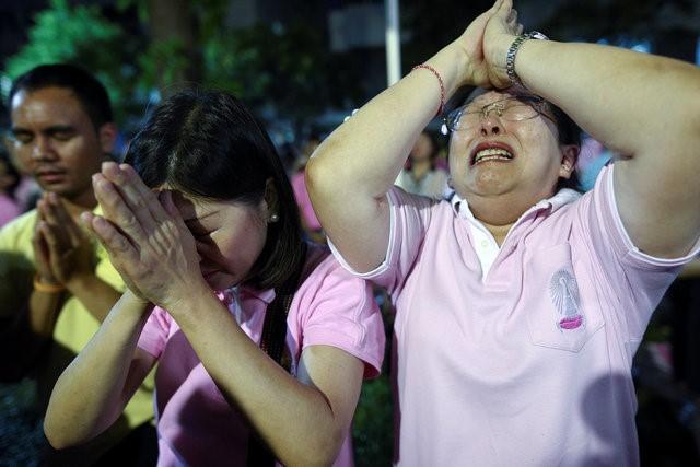 Thái Lan sẽ để tang quốc vương trong một năm - Ảnh 5.
