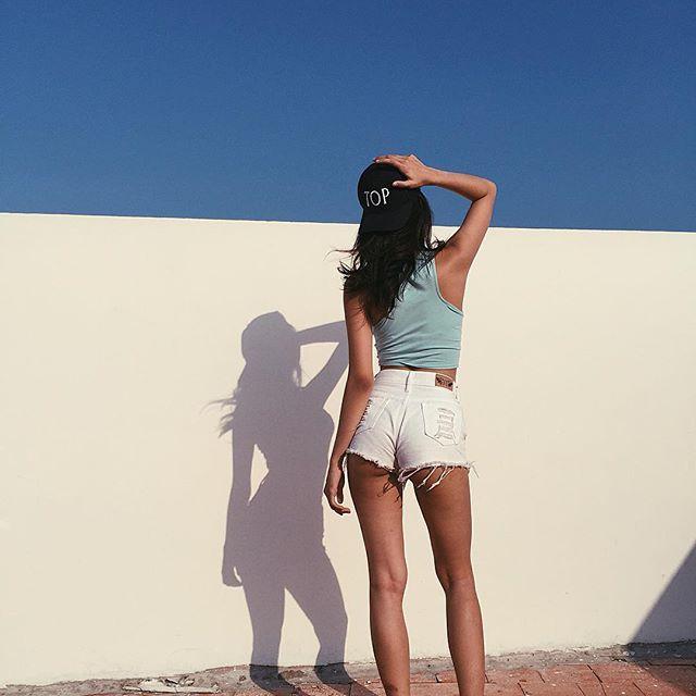 Loạt hot girl Việt đang chứng minh: Túi hiệu son xịn chưa cần có, nhưng shorts thì chắc chắn phải có một em! - Ảnh 18.