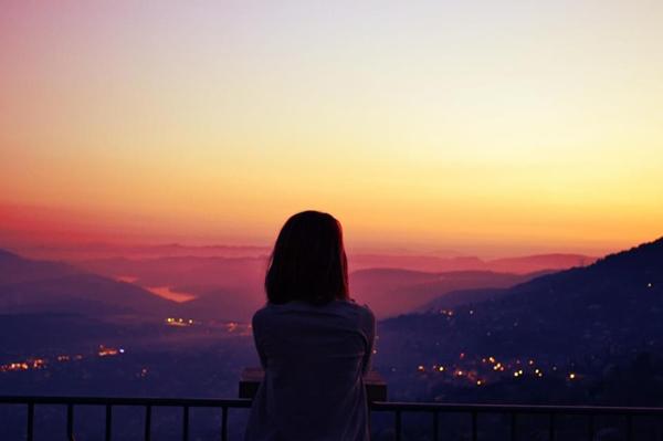 Có những ngày chỉ muốn im lặng và nghĩ về mọi thứ đã qua...