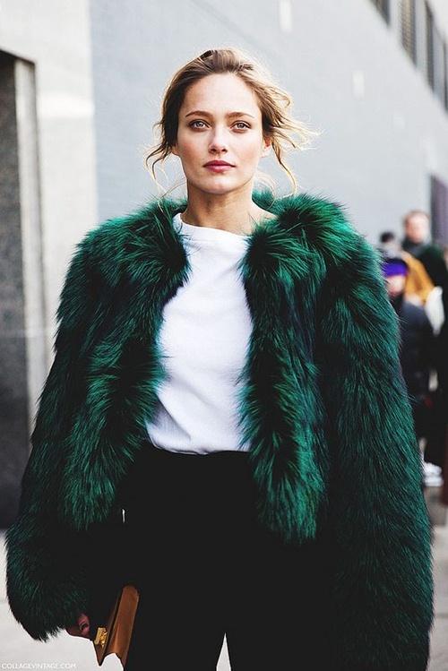 Ghi nhớ 5 cách mặc áo khoác lông sexy hơn cho ngày lạnh