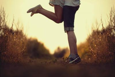 Hay cứ để yêu thương được thiếp đi một giấc, để ngày mai ta lại nhớ nhau hơn...