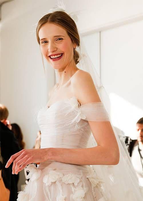 Giúp cô dâu chọn được thiết kế váy cưới hợp nhất với vóc dáng mình