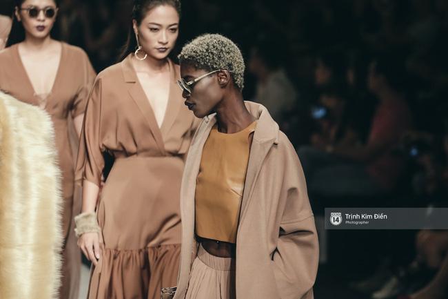 Gói gọn 6 ngày - 5 đêm của Vietnam International Fashion Week trong những khung hình tuyệt vời nhất! - Ảnh 17.