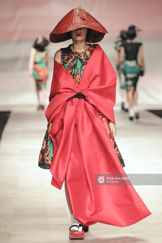Gói gọn 6 ngày - 5 đêm của Vietnam International Fashion Week trong những khung hình tuyệt vời nhất! - Ảnh 11.