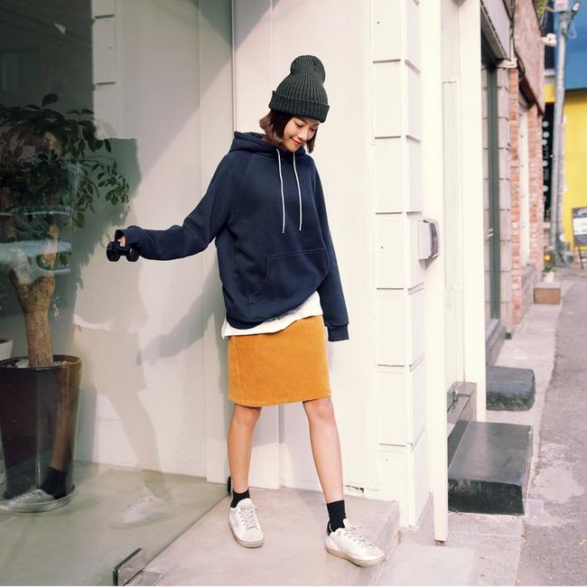 Trời lạnh lắm rồi, bạn đã biết cách mặc đúng trend với 6 món đang có sẵn trong tủ chưa? - Ảnh 19.