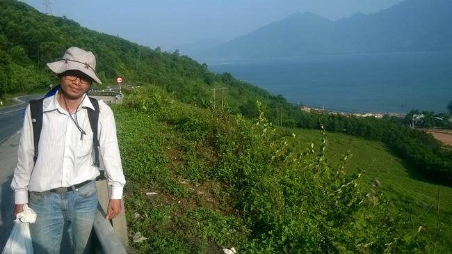 Gặp gã khùng Nguyễn Quang Thạch: Người giành giải Unesco sau 19 năm miệt mài cõng sách về làng - Ảnh 10.