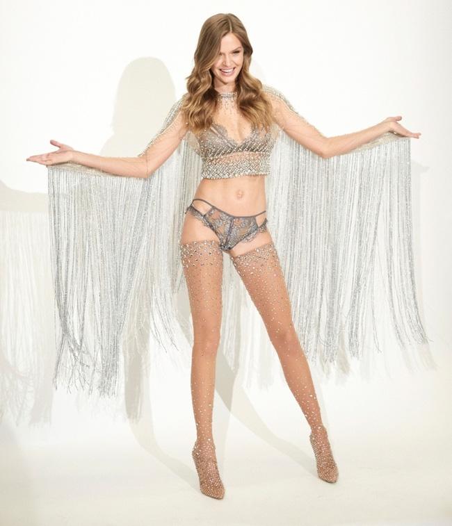 Đột nhập buổi thử đồ của dàn thiên thần ngắm hàng loạt thiết kế mới toanh sẽ xuất hiện trong Victorias Secret Show 2016 - Ảnh 17.