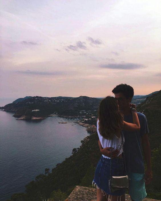 Yêu là để sống, nhưng sống đâu phải chỉ để yêu?