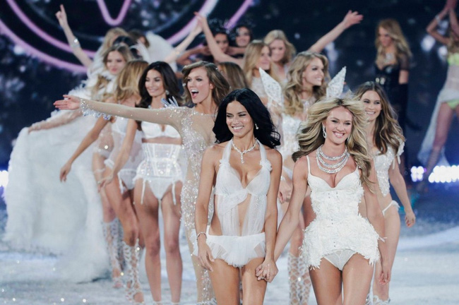 Nếu thực hiện 5 điều này, Victorias Secret Fashion Show sẽ trở nên hấp dẫn hơn bội phần - Ảnh 4.