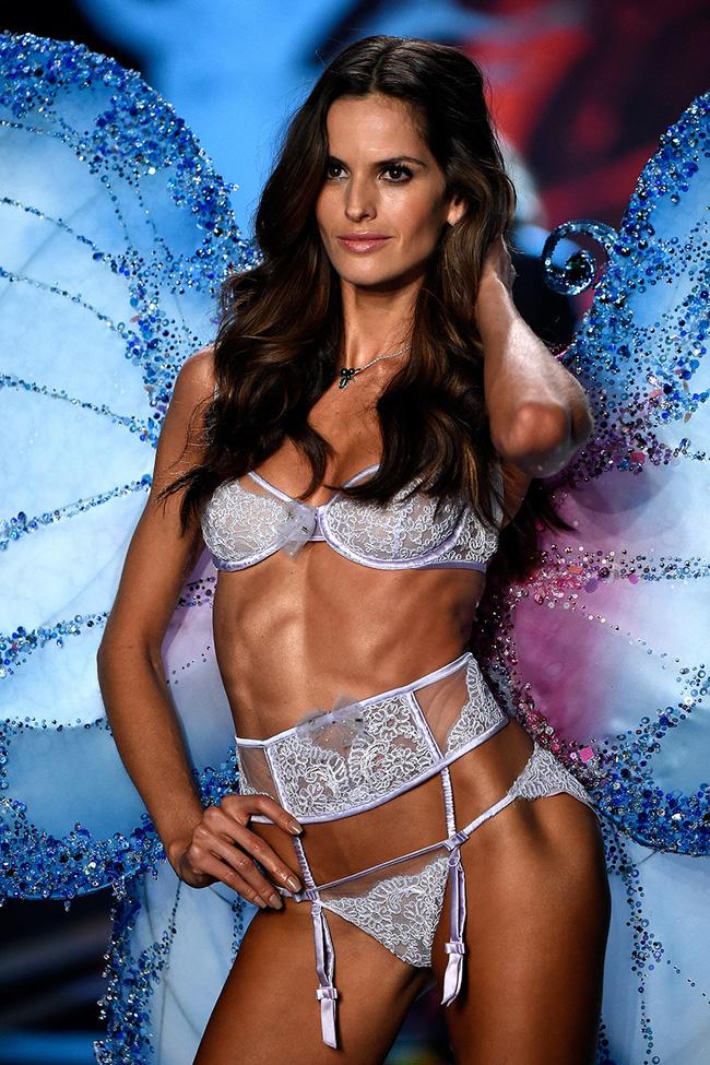 Điểm mặt chỉ tên cả thảy 54 chân dài sẽ sải bước tại Victorias Secret Fashion Show sắp tới - Ảnh 14.