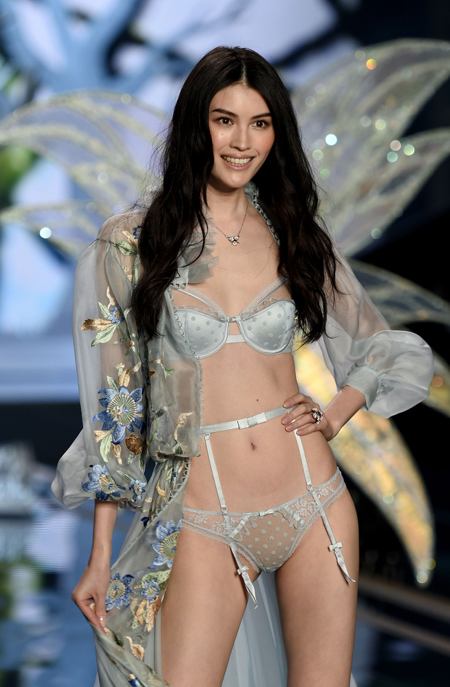 Điểm mặt chỉ tên cả thảy 54 chân dài sẽ sải bước tại Victorias Secret Fashion Show sắp tới - Ảnh 20.