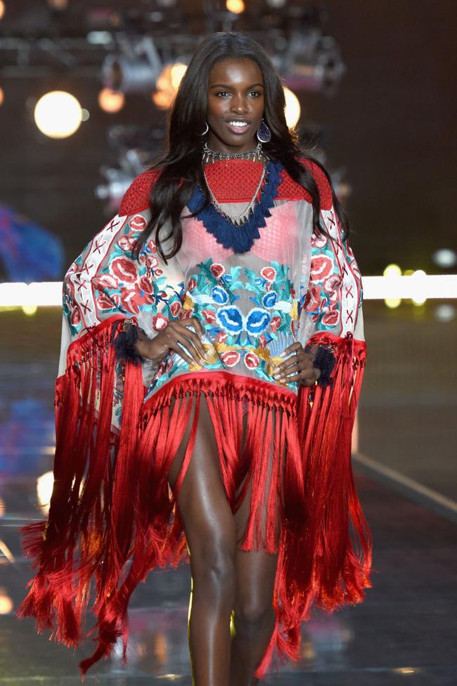 Điểm mặt chỉ tên cả thảy 54 chân dài sẽ sải bước tại Victorias Secret Fashion Show sắp tới - Ảnh 23.