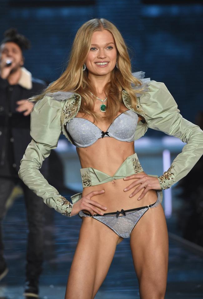Điểm mặt chỉ tên cả thảy 54 chân dài sẽ sải bước tại Victorias Secret Fashion Show sắp tới - Ảnh 38.