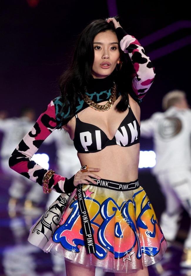 Điểm mặt chỉ tên cả thảy 54 chân dài sẽ sải bước tại Victorias Secret Fashion Show sắp tới - Ảnh 26.