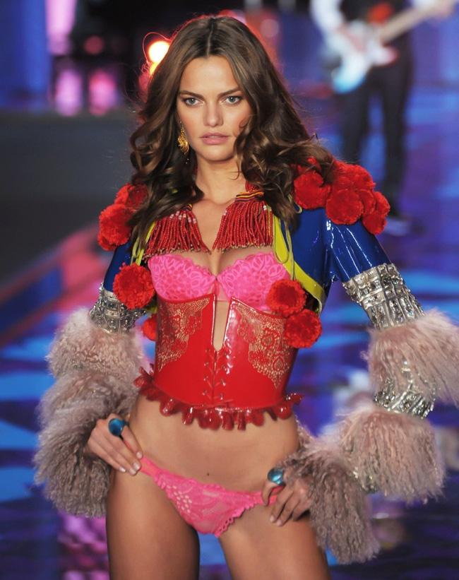 Điểm mặt chỉ tên cả thảy 54 chân dài sẽ sải bước tại Victorias Secret Fashion Show sắp tới - Ảnh 37.