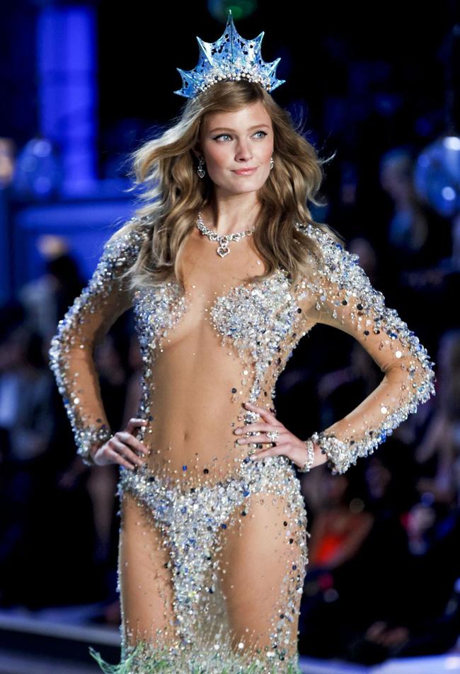 Điểm mặt chỉ tên cả thảy 54 chân dài sẽ sải bước tại Victorias Secret Fashion Show sắp tới - Ảnh 32.