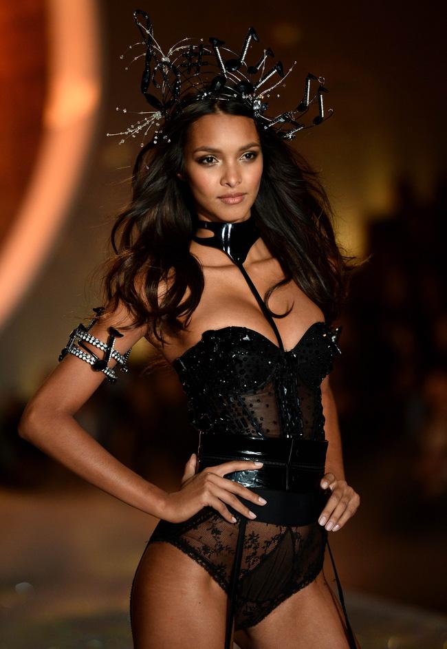 Điểm mặt chỉ tên cả thảy 54 chân dài sẽ sải bước tại Victorias Secret Fashion Show sắp tới - Ảnh 6.