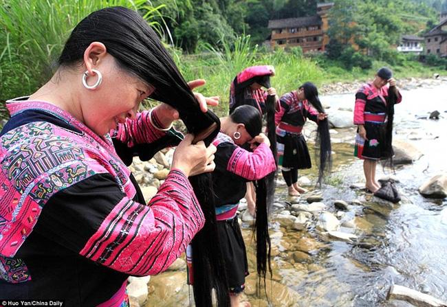 Mắt chữ O, mồm chữ A khi ghé thăm những ngôi làng kỳ lạ nhất Trung Quốc - Ảnh 6.