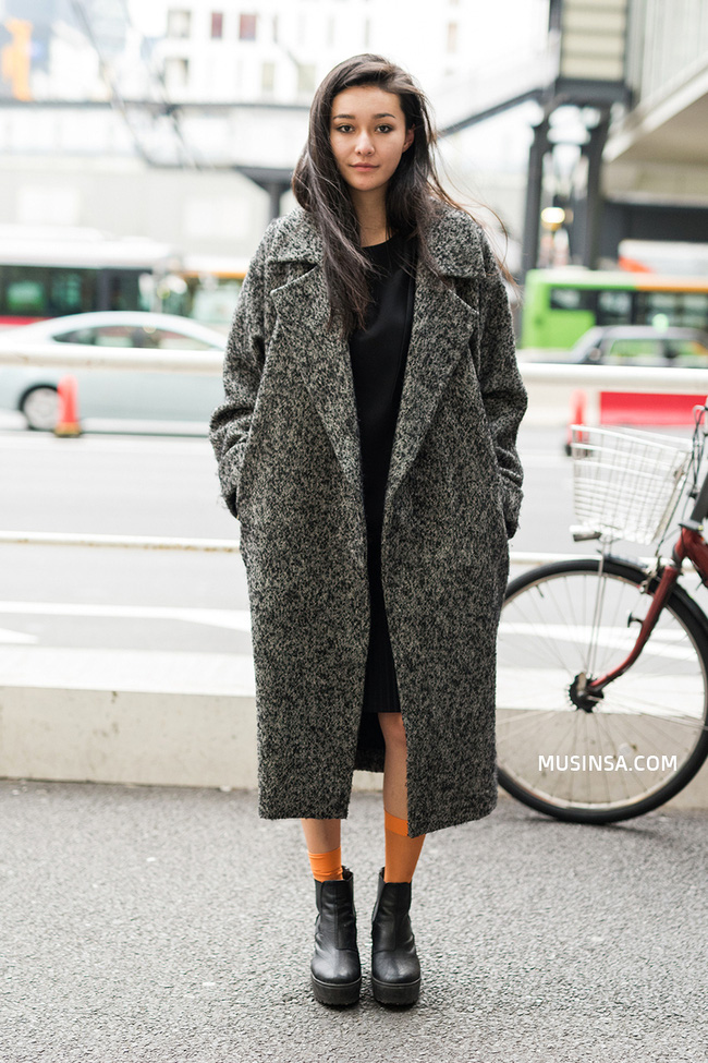 Giới trẻ thế giới thách thức trời đông với street style đẹp bá cháy - Ảnh 3.