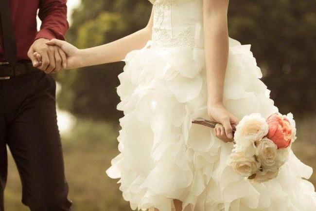Này con gái, đừng khóc vì người không xứng đáng, ba mẹ sẽ đau lòng!