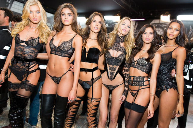 Cuối cùng, những gì bạn cần xem là ảnh backstage cực nhộn của Victorias Secret Show 2016! - Ảnh 33.