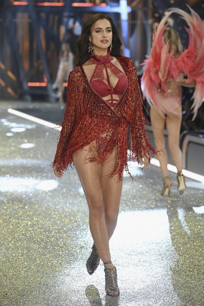[HOT] Tất cả hình ảnh nóng bỏng tay của Victorias Secret Fashion Show 2016! - Ảnh 61.