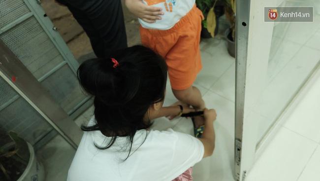 Gặp người đứng sau những bức tranh sắc màu trong ngõ hẻm Sài Gòn: nữ giáo viên dạy vẽ cho trẻ tự kỷ - Ảnh 6.