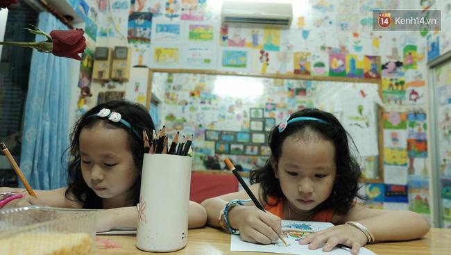 Gặp người đứng sau những bức tranh sắc màu trong ngõ hẻm Sài Gòn: nữ giáo viên dạy vẽ cho trẻ tự kỷ - Ảnh 12.